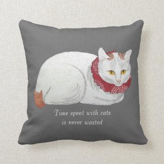 Almohada de tiro japonesa blanca del arte del gato