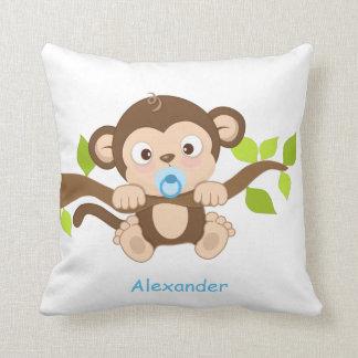 Almohada de tiro linda del mono del bebé