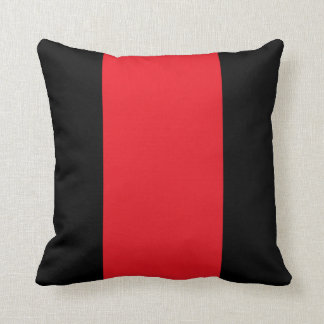 Almohada de tiro negra y roja