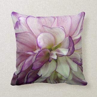 Almohada de tiro púrpura de la dalia
