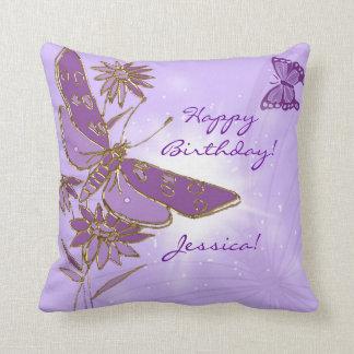 Almohada de tiro púrpura de la mariposa