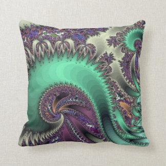 Almohada de tiro púrpura del diseño del pavo real