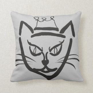 Almohada de tiro rey del gato negro y gris