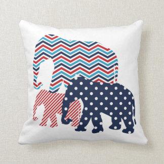 Almohada de tiro roja blanca y azul de los elefa