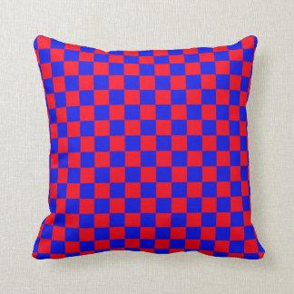 Almohada de tiro roja y azul del modelo del ajedre