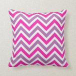 Almohada de tiro rosada, púrpura y blanca del