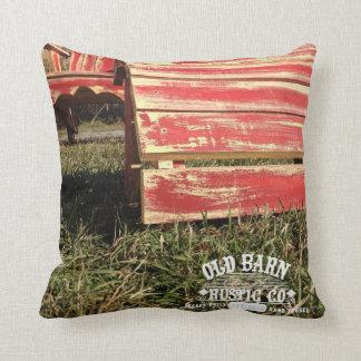 Almohada de tiro rústica del Co. del granero viejo