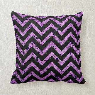 Almohada de tiro texturizada púrpura de Chevron