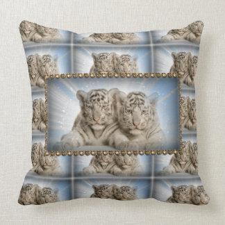 Almohada de tiro/tigres blancos