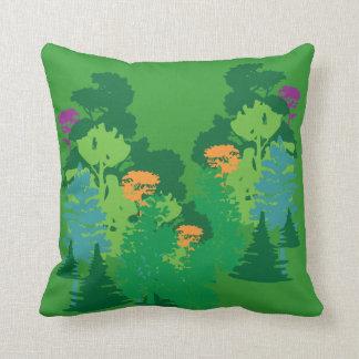 Almohada de tiro verde de los árboles