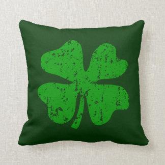 Almohada de tiro verde del día del St Patricks del