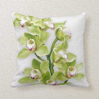 Almohada de tiro verde elegante de la orquídea del