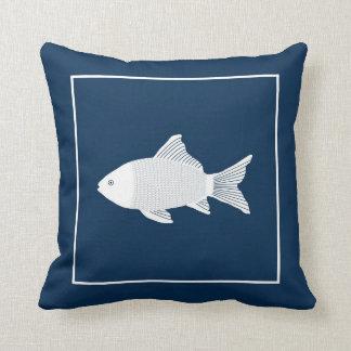 Almohada de Trow con los pescados decorativos