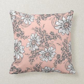 Almohada decorativa floral del blanco gris del