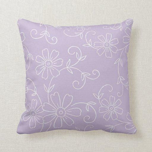 Almohada decorativa floral púrpura y blanca