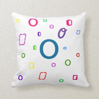 Almohada decorativa O de la letra del alfabeto
