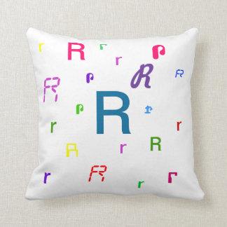 Almohada decorativa R de la letra del alfabeto