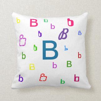 Almohada del alfabeto - almohada decorativa B de