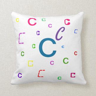 Almohada del alfabeto - almohada decorativa C de