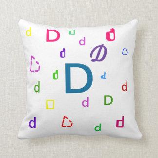 Almohada del alfabeto - almohada decorativa D de