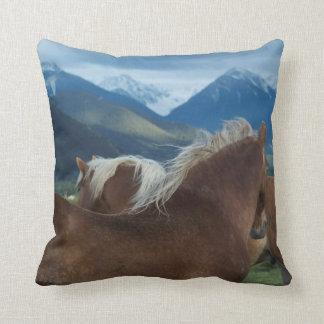 Almohada del algodón de las melenas y de las monta