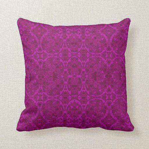 Almohada del brocado de la frambuesa en 2 tamaños