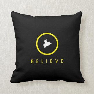 almohada del cerdo del creer-vuelo