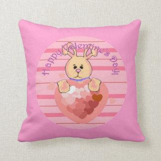 Almohada del conejito del día de San Valentín