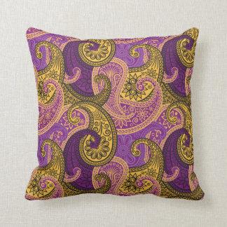 Almohada del damasco de Paisley - púrpura/oro - 1