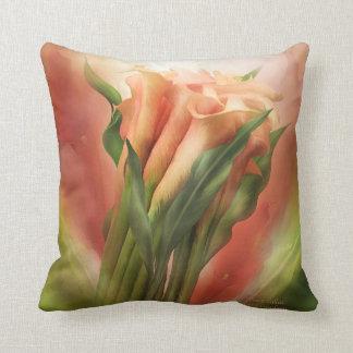 Almohada del decorador del arte de las calas del m