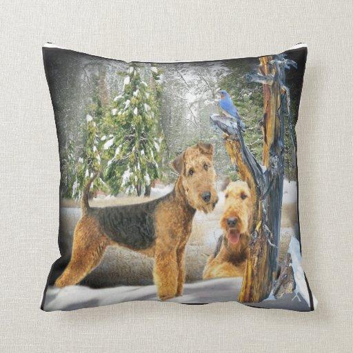 Almohada del día de invierno de Airedale Terrier Cojín Decorativo