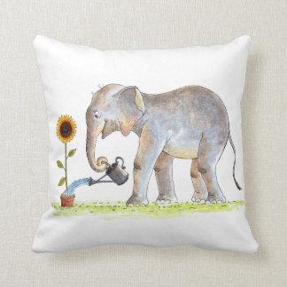 Almohada del elefante del bebé
