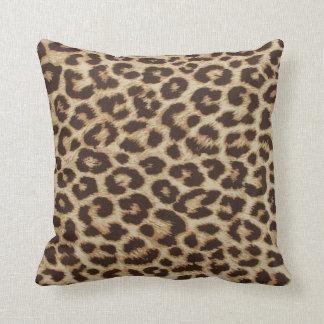 Almohada del estampado leopardo