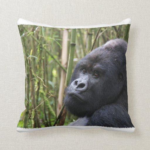 Almohada del gorila de la tierra baja