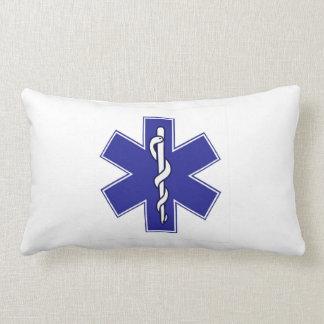 almohada del hospital del médico de la ambulancia