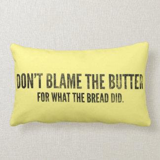 Almohada del Keto: No culpe la mantequilla, oscura