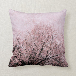 almohada del lanzamiento de las ramas del flor del