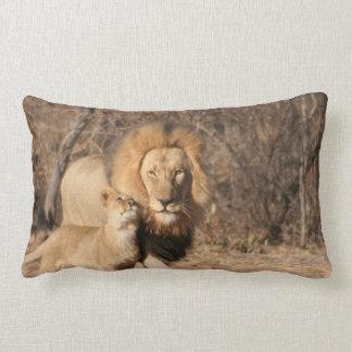 Almohada del león y de Cub de león