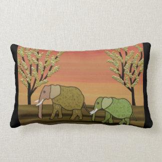 Almohada del Lumbar de la puesta del sol del elefa