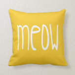 Almohada del maullido en fondo amarillo y gris
