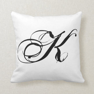 Almohada del monograma K