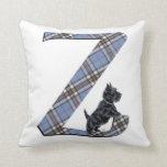 Almohada del monograma Z de Terrier del escocés