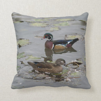 Almohada del personalizado de los patos de madera