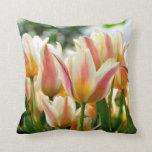Almohada del remiendo del tulipán