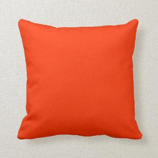 almohada del rojo anaranjado