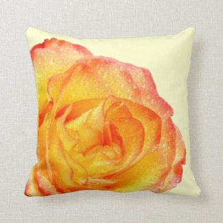 Almohada del rosa anaranjado y amarillo cojín decorativo