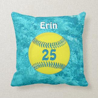 Almohada del softball de la turquesa con su NOMBRE