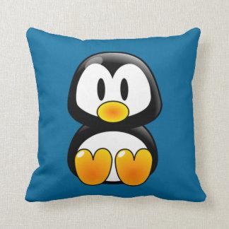 almohada del tux del pingüino del bebé