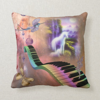 Almohada del unicornio de la fantasía