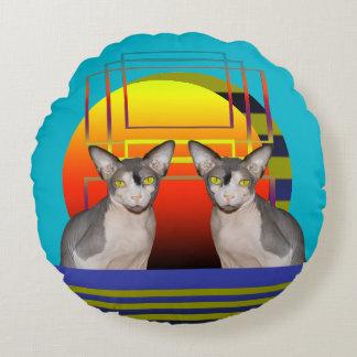 Almohada el | dos gatos de Sphynx por puesta del Cojín Redondo